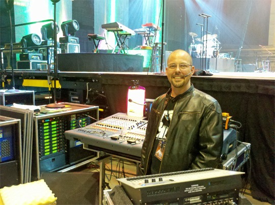 Countryman ISOMAX Headset Mics on Tour with Dolly Parton