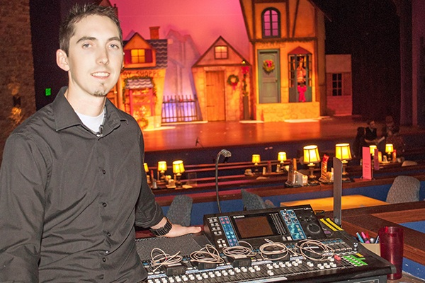 Countryman Microphones Help Candlelight Dinner Playhouse Thrive